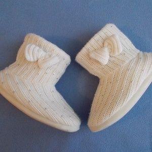 Ladies Cozy Slippers